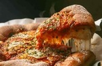 FreeCharge | US Pizza Cashback Buy 1 Get 1 Pizza + Rs. 15 FreeCharge Cashback
